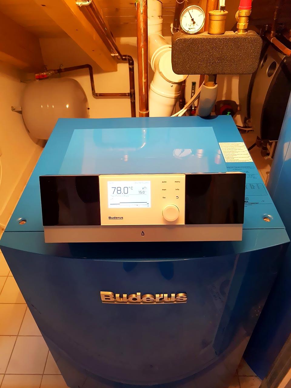 Kondenzační kotel Buderus GB212 + zásobník Buderus SU160.5 a doplňkový modul Buderus MM100