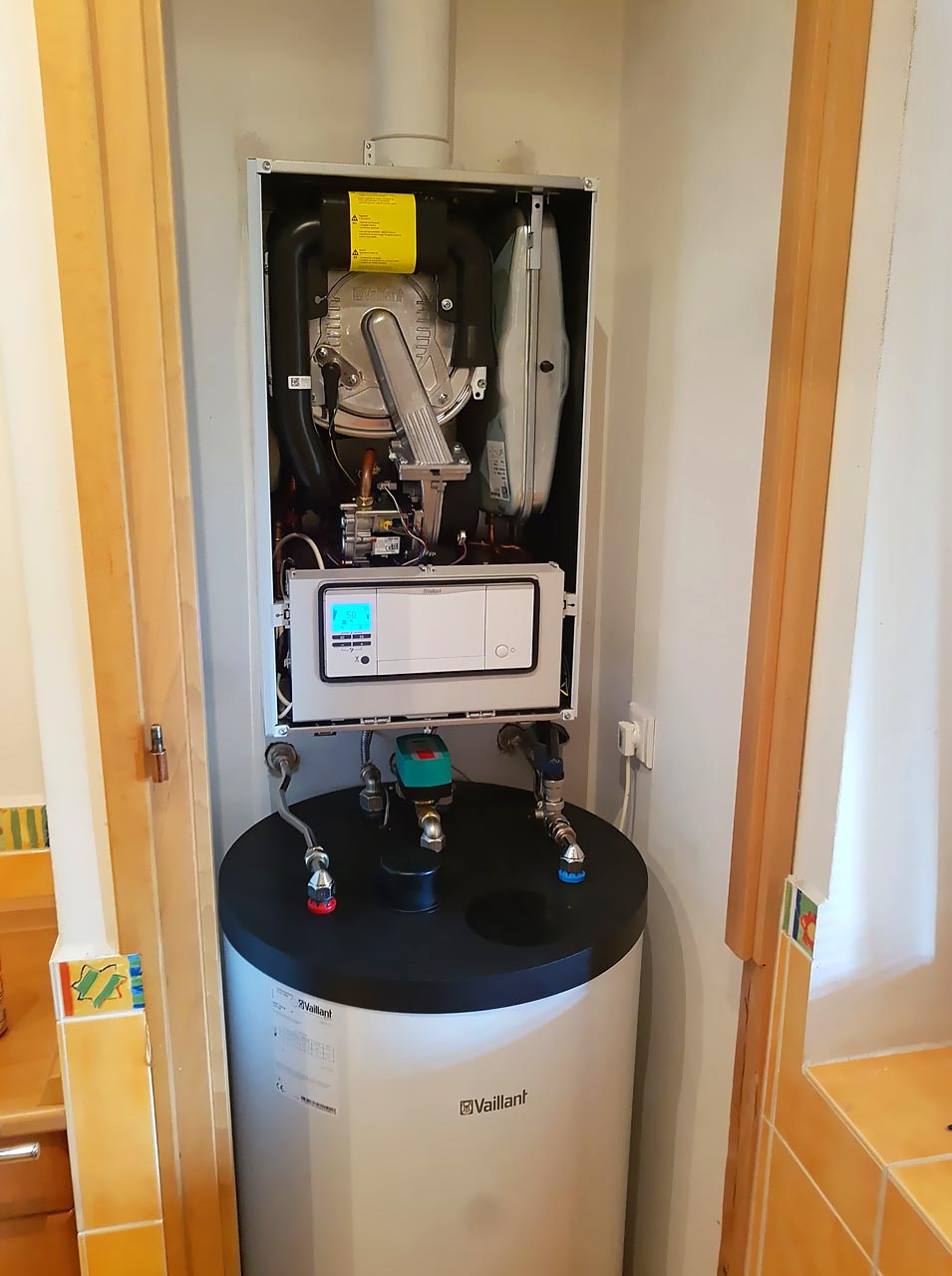 Výměna plynového atmosférického kotle Vaillant a nepřímotopného zásobníku Vaillant o objemu 150litrů za nový kondenzační kotel Vaillant VU 256/5-5 ecoTEC Plus a zásobník Vaillant VIH 150/6B
