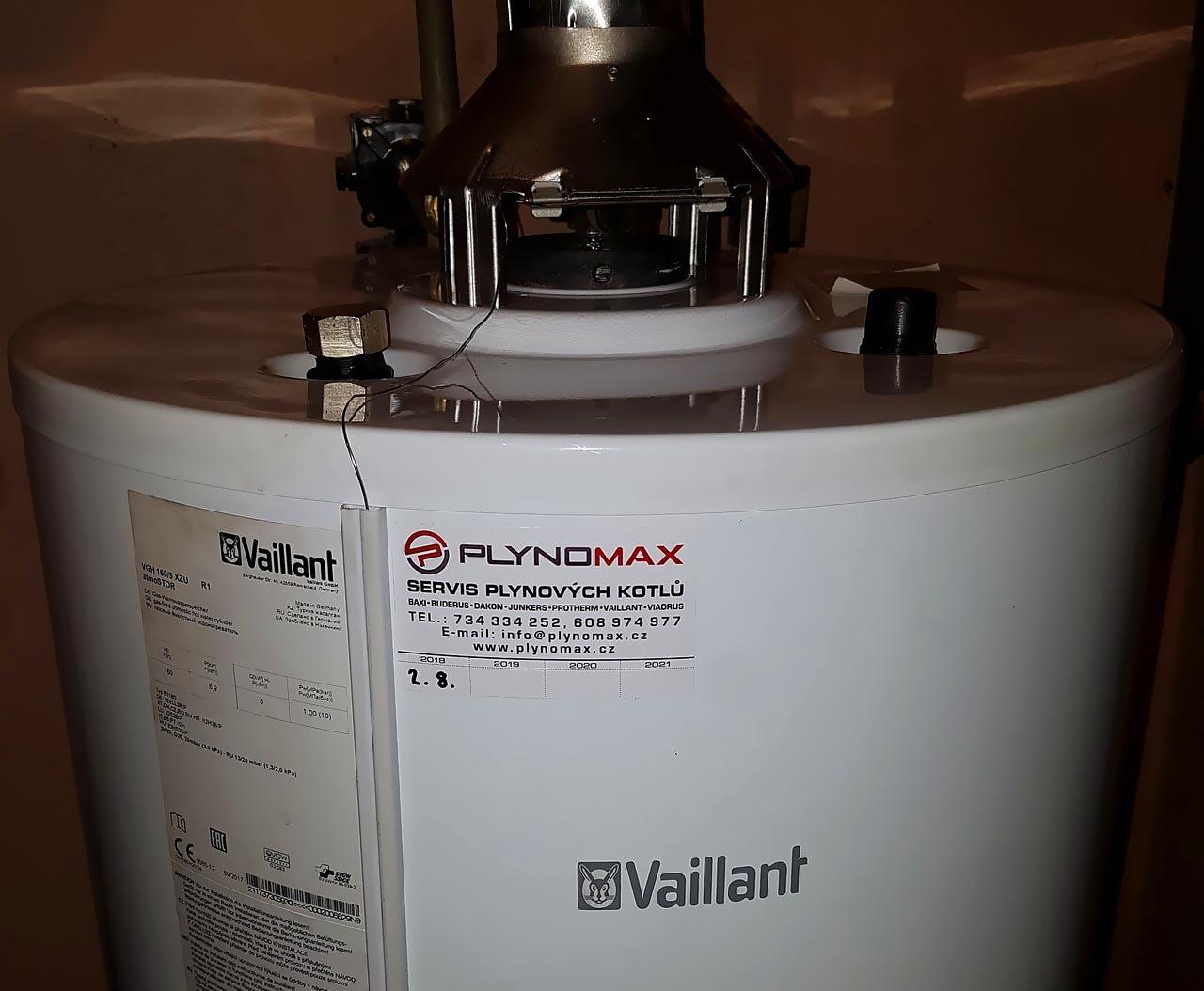 Výměna prasklého přímotopného zásobníku Vaillant o objemu 160 litrů – Újezd Nad Lesy